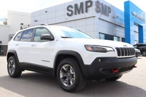 2019 Jeep Cherokee Trailhawk - V6, Leather, Sunroof, Rem Start