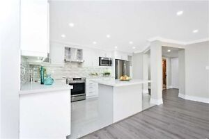LUXURY & LARGE 2-bed condo in Richmond Hill - YONGE ST!