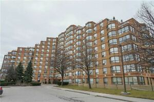 Luxury 2 B/R + Den, 2 W/R Condo Close To Humber College