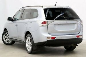 2013 Mitsubishi Outlander ZJ MY14 ES 2WD Silver 6 Speed Constant Variable Wagon Seven Hills Blacktown Area Preview