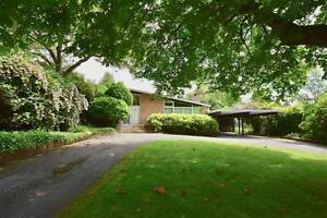 Lovely 5 Bedroom Home in Kerrisdale Vancouver