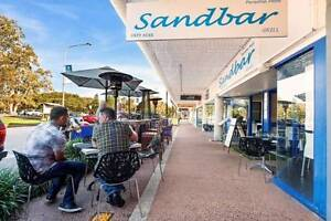 Cafe restaurant Paradise Point fully licensed wiwo Paradise Point Gold Coast North Preview