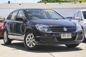 2005 Holden Astra AH MY05 CD Black 4 Speed Automatic Hatchback Mount Gravatt Brisbane South East Preview