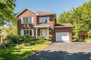 33 Barkton Lane Home in Clayton Park for Rent (Great privacy)