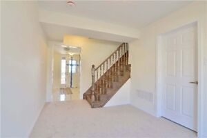 Gorgeous 3 Bedroom Freehold Townhouse In Brampton X5174924 MR26