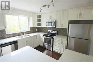 Stunning Detached in Clarkson Mississauga! Just listed!!!