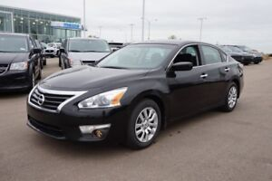 2014 Nissan Altima 2.5S Accident Free,  Heated Seats,