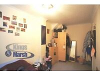Furnished all inclusive double room to rent in Balham, friendly flatmates.