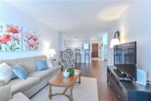 Sun Filled 2-Bdrm +Den Condo w/Upgraded Kitchen &Amenities!