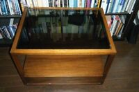 Beautiful Deilcraft (Canadian made) glass top table for sale.