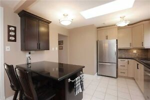 Nicely Renovated Raised Bungalow In Sought After Sw Oakville. Oakville / Halton Region Toronto (GTA) image 9