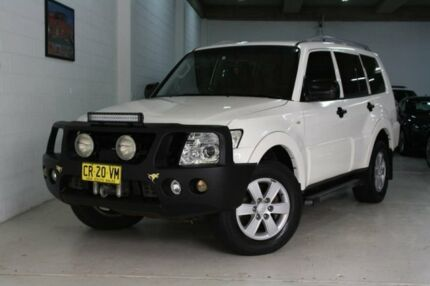 2008 Mitsubishi Pajero NS GLX White 5 Speed Sports Automatic Wagon Castle Hill The Hills District Preview
