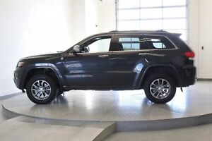 2014 Jeep Grand Cherokee Overland 4WD * Leather 5.7L Hemi -Navig Regina Regina Area image 2
