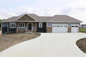 Home for Sale in Rural Parkland County, AB (3bd 3ba/1hba)