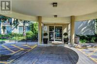 Well Maintained 2+1Br,1B,5 PARKWAY FOREST DR, Upgraded Unit