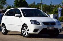 2010 Kia Rio JB MY10 S Clear White 5 Speed Manual Hatchback Toowong Brisbane North West Preview