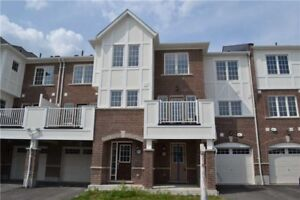 New townhouse for rent in Pickering