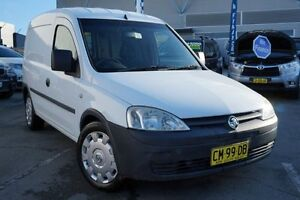 2008 Holden Combo XC MY07.5 White 5 Speed Manual Van Pearce Woden Valley Preview
