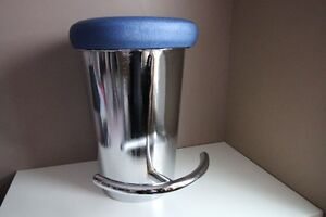 ** NEED GONE ** 8 Stainless Steel Bar Stool Seats -