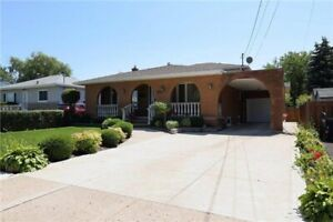 Large 3 Bedroom 3 Bathroom House for Rent in Hamilton !