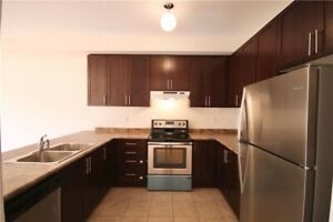 Spacious 3 bedroom Townhouse in Aurora
