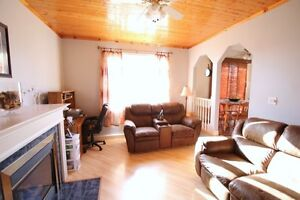 Power's Pond Two-Storey For Sale- 24 Wells Crescent, Mount Pearl St. John's Newfoundland image 8