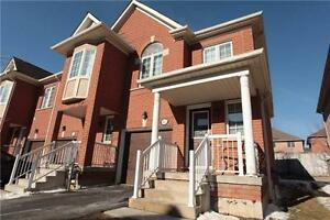 Lovely End Unit Townhome In Mississauga