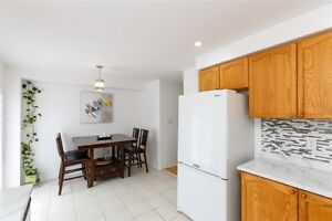 ** Bright and Spacious 3 bdrm house for sale in Brampton **