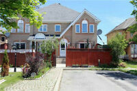 Gorgeous 3 Bedroom Freehold Town House