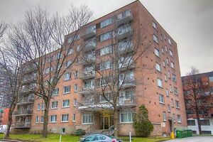 Bachelor available at 2480 Benny Crescent, Montreal