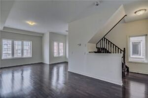 Stunning End Unit 1800 SqFt 3+1 B/R T/House At Chinguacousy/Dusk