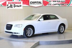 2017 Chrysler 300 Touring*Leather*Sunroof*Nav*4dr*