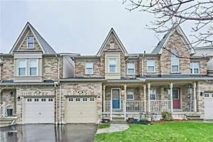Great 3 Bdrm Town Home With Newly Finished Deck *BROOKLIN*