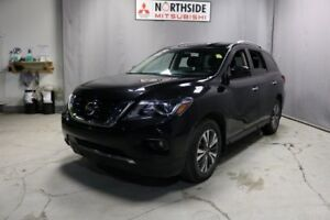 2017 Nissan Pathfinder AWD SV Accident Free,  Heated Seats,  Bac
