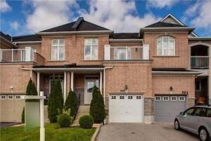 PICKERING FREEHOLD TOWNHOUSE!!!! 3BED 3BATH