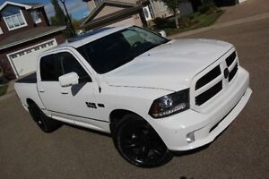 2014 Dodge Ram 1500 Sport Truck - Fully Loaded, LOW KM'S