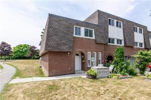 2 Story End Unit Townhome(3 Bed / 2 Bath) In South Ajax