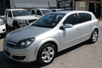 2005 Holden Astra AH MY06 Cdxi Silver 5 Speed Manual Hatchback Cheltenham Kingston Area Preview
