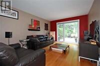 Contemporary 3 Bedroom Town House for Rent in Don Mills