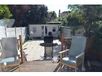 AMAZING 3 BEDROOM HOUSE + BIG GARDEN + DRIVEWAY.. 5 MINS TO DAGENHAM HEATHWAY+ WORKING DSS WELCOME!
