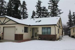 10-4311 20 St, Vernon BC - Rancher Style Townhome!