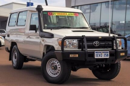 2014 Toyota Landcruiser VDJ78R MY13 Workmate Troopcarrier Glacier White 5 Speed Manual Wagon