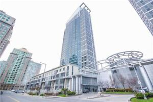 Freshly Renovated 2 Bedroom Suite With Parking Near STC!