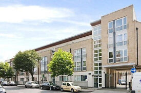 Super one bedroom apartment with two balconies in islington - 1 minute walk to calendonian road tube