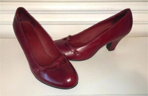 Red Aldo Leather Mary Jane Shoes (size 9)
