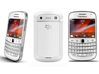 BLACKBERRY 9900 - UNLOCKED - WHITE - CHARGER - £59