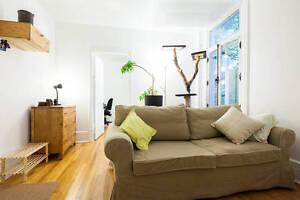 3 1/2 cartier Montcalm, semi-meublé, disponible début septembre.