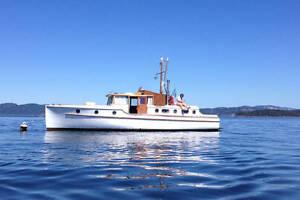 Graceful 40 foot Classic 1931 Teak and Mahogany Wooden Boat