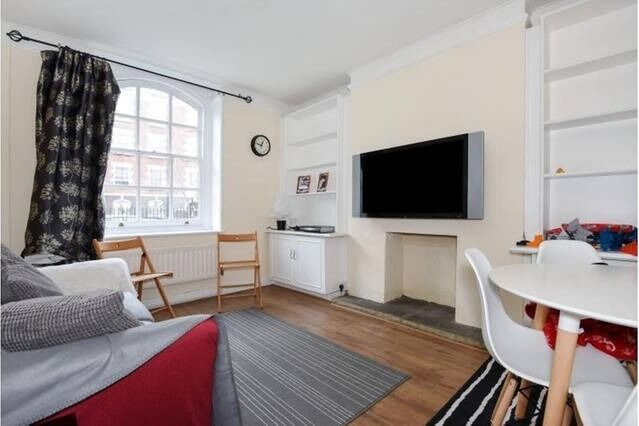 Lovely 2 double bed flat in St John's Wood, NW8