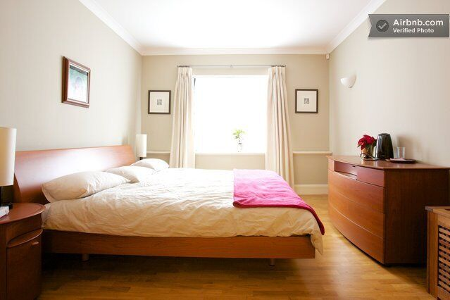 SPACIOUS ACCOMODATION IN HYDE PARK MANSIONS - BILLS INC